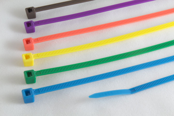 Bridas de nylon de colores
